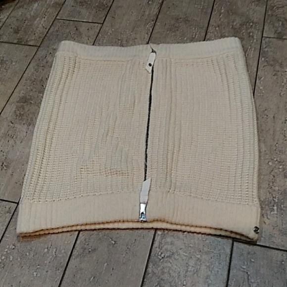 lululemon athletica Accessories - LULULEMON Cream Knit Falling Freely Neck Warmer